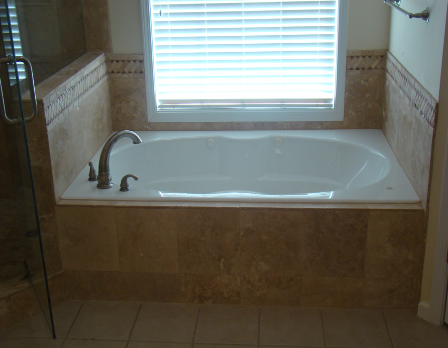 Suwanee ga bathroom remodeling ideas tile installation for Tub remodel ideas